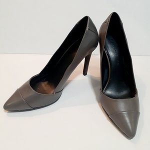 H by Halston Lillian grey heels size 7.5